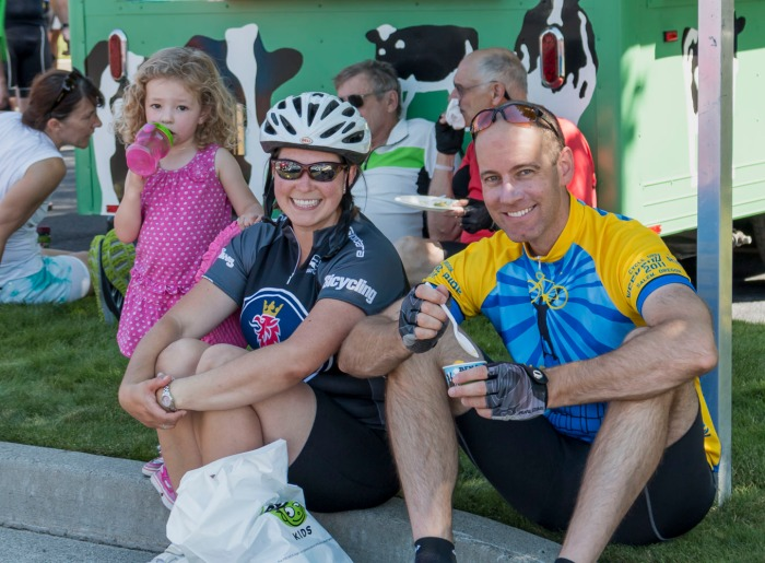 Ice cream at the finish is a tradition in the 8 Lakes ride.