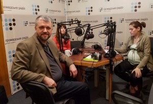 Andrew Kritovich prepares to speak on Ukrainian radio